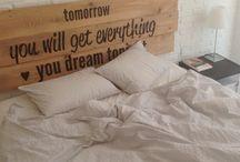 dormitorio con ladrillo blanco