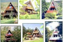 Ferienhaus-Urlaub in Deutschland / Urlaub in deutschen Feriendörfern oder individuellen Ferienhäusern, z.B. Finnhütte, Nurdach-Ferienhaus, Doppelhaushälften, Bungalows.