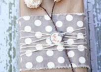 GIFT WRAPPING / by Kasandra Mathieson