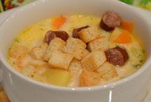 Рецепты супов / Предлагаем вам оценить нашу кулинарную коллекцию рецептов супов со всего мира. Начиная от различных вариантов классического борща, оканчивая довольно экзотичными и не обычными первыми блюдами.