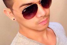Fashionable eyewear  / Ray-Ban Aviator Sunglasses