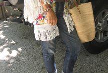 Hippie chic à 50 ans / wwww.cinquanteansetalors.com  Looks BO-BO, BO-HO, GYPSY ... Se rejoignent tous dans un seul style : hippie chic !