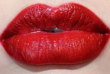 vörös ajkak