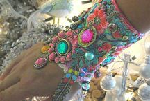 Adorn me / necklaces, earrings, sun glasses, gloves and other accessories...  / by Ginger Valiant