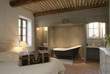 Chambres à coucher / On y passe de nombreuses heures et quoi de plus agréable qu'une chambre à coucher bien décorée ?! Faites de beaux rêves...