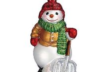Snow Day Memories / Need a great keepsake ornament for those Snow Days when the children or grandchildren were out of school? Buy ornaments now, put away for later and gift at Christmastime.