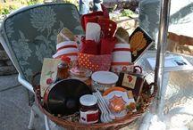 Gift Baskets / by Emily Ballard