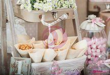 Los Candybuffets de Dulceapetit / Nuestros Candybuffets llenan de color y estilo cualquier evento aportando ese toque de elegancia y originalidad. Personalizamos cada diseño según la ocasión: atrevidos, chic, sofisticados, divertidos... ¡Siempre muy muy dulce!