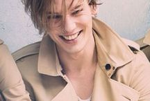 Jamie Campbell Bower / Jamie Campbell Bower