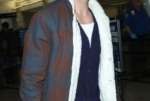 Los Angels Ryan Gosling Jacket / Are you Fan of Ryan Gosling? So here is a jacket of Ryan Gosling that he worn Recently Los Angels Air Port, You Will love to wear this Shearling Jacket from LeathersJackets.com and you can GET FREE of cost Shipping in USA, UK and CANDA.
