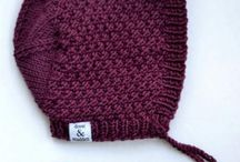 Вязание спицами, детские шапочки.