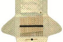 addiClick Sets mit austauschbaren Spitzen/Seilen - interchangeable needles / addiClick Sets mit austauschbaren Spitzen und Seilen. addiClick Sets with interchangeable needles and cords.