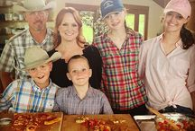 Ree Drummond / Love the Pioneer Woman…always have her shows in my PVR…so lovely to watch..the beautiful ranch she is on.....love her recipes..and her love of family….and her photos…and blog….