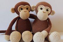 monos hermanos