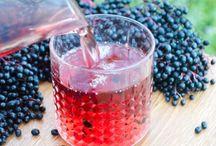 Getränke / Für magische Momente sorgen selbstgemachte Getränke. Der Geschmack von Sirup, Säften, Limos oder Cocktails schmecken unverwechselbar. Einfache und schnelle Drink-Rezepte für Groß und Klein.
