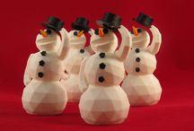 """CHRISTMAS 3D PRINTS / A Natale ci sentiamo tutti un pò più buoni e si sa, la bontà porta tanta tanta creatività! Per tutto il mese di dicembre vi delizieremo con le nostre creature festose stampate in PLA dalla """"gladiatrice"""" 3D1. E non dite che non vi vien voglia di comprarvi una stampante!  #SDM #SDMakers #3DChristmas"""