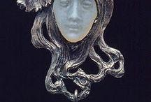 jewelery face