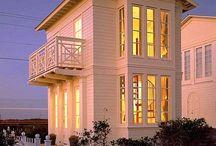 Bucket List - Beach House / Sunshine House / by Georgie Kearns