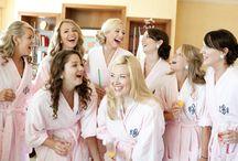 Tricouri burlacite Tiparo / Pentru petrecerea burlacitelor, alege tricouri burlacite personalizate pentru mireasa si pentru prietenele ei.
