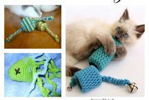 Crochet for your cats...... / After crocheting for the kids, men and friends in your life it is time to start crocheting for your pets......