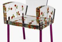 Dziwne krzesła