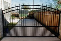 Austin fence company / We are the premier fence company in Austin, Tx. We carry a variety of fences from privacy to custom wood & from entry gates to automatic gate openers.
