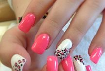 Beauty / Hot pink nail wth leopard print