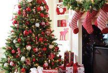 Árboles de Navidad Rojos / 0