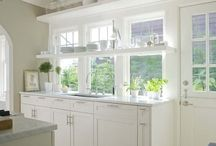 Kitchens / by Molly Reimer