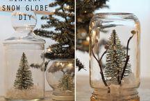Holidays - Christmas & Hanukkah / by Benny Etienne