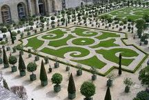 Gardens I Love / by Kim Johnston-Villeneuve