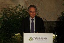 """Trophée de femmes / Die Umweltstiftung """"Fondation Yves Rocher"""" zeichnet 2014 bereits zum elften Mal drei Frauen aus Deutschland mit dem Umweltpreis """"Trophée de femmes"""" aus.   Hier findet ihr weitere Informationen: http://bit.ly/1bKvvHC"""