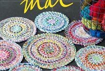 tapis avec fils restes de tissus