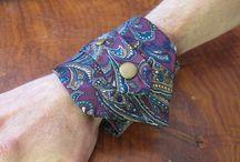 Upcycling: Krawatten mal anders / Wer sagt, dass man aus alten oder kaputten Krawatten nichts mehr machen kann? Hier sammeln wir die außergewöhnlichsten Upcycling-Ideen für Krawatten.  Ihr wollt selbst etwas davon ausprobieren? Meldet Euch bei uns - wir stellen Euch alte Krawatten zur Verfügung! service@krawatte.net