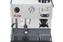 Lelit - 50s Line - Anita / THE MACHINE WITH THE BUILT-IN GRINDER. BECAUSE FRESH GROUND COFFEE MAKES THE DIFFERENCE. Only fresh ground coffee can enhance the aroma, the crema and the taste of the real Espresso served in the bar. Anita is the group of espresso machines for those who love easiness and compactness without compromising the results from the coffee beans extraction. The right machine to obtain the best results with the minimum effort!