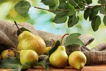 Αχλάδι ιδιότητες, θρεπτική αξία και οφέλη / Αχλάδι ιδιότητες, θρεπτική αξία και οφέλη στην υγεία. Τα αχλάδια είναι πλούσια σε βιταμίνες, θρεπτικά και διατροφικά στοιχεία όπως βιταμίνη C.