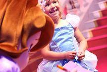 Bal des Princesses 2014 / Découvrez les photos du Bal des Princesses qui s'est déroulé à Disneyland Paris en compagnie d'Anna et Elsa de La Reine des Neiges !