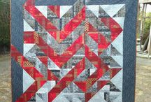 Strips that sizzle / Quilts