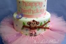 amazing cakes / by Lisa Sierra
