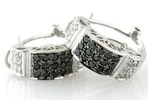 Black diamonds Collection / Check out our Natural Black Diamonds Jewelry collection, at the best price only at expresspawn.com