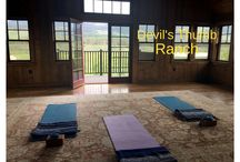 Best places to practice yoga / As I certified yoga instructor, I look for the best places to practice yoga when I'm on the road.
