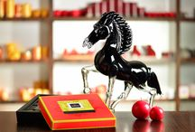 Chinese New Year 2014 Collection / The year 2014 is considered as the Year of the Horse according to the Chinese calendar. The horse is a symbol of nobility, class, speed and perseverance. Every year Patchi celebrates the Chinese New Year with a vibrant, festive and lively collection. This collection is available in the following Patchi boutiques: Malaysia and Brunei as well as in the US and Canada via www.Patchi.us . Patchi wishes you success and happiness with a Happy Chinese New Year!