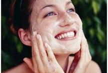 Clear My Skin with Deep Cleansing Facials, Acne Masks, Chemical Peels / Get Rid of Acne, Reduce Pimples and Blackheads and Zap Zits at Truth + Beauty Medical Spa, Roslyn Heights New York, Long Island Medical Spa. Acne Masks, Chemical Peels, Deep Cleansing Facials.