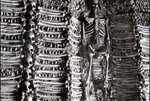 Bones, skulls / by Dana Dickson
