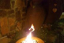 Fire Pits / Nuutste toevoeging tot Desert Pots reeks. Small Fire Pits!! Beskikbaar in 2 groottes vir nou... Small: 28cm deursnee x 12cm hoog R250 Medium: 40cm deursnee x 15cm hoog: R290  (Klippies ingesluit) Brand met rook-vry olie/ gel. Lorraine@desertpots.com