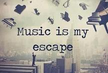 Música / O único sítio onde eu posso me escapar e sonhar num mundo que eu adoro a música!