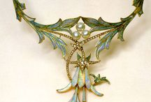 Objects de Art Nouveau / One of my favorite time periods. I love all things art nouveau but especially the jewelry of Lalique and Tiffany.