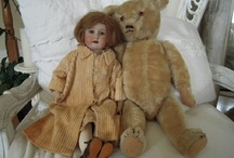 Gothic and macabre toys, old toys / I like old toys with a penchant for the gothic, steampunk and an air of a bygone era