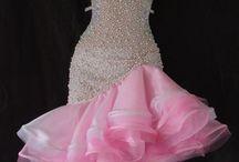 taneční šaty