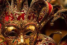 mask / Maskers, ze verbergen iets en maken je geheimzinnig en mysterieus.